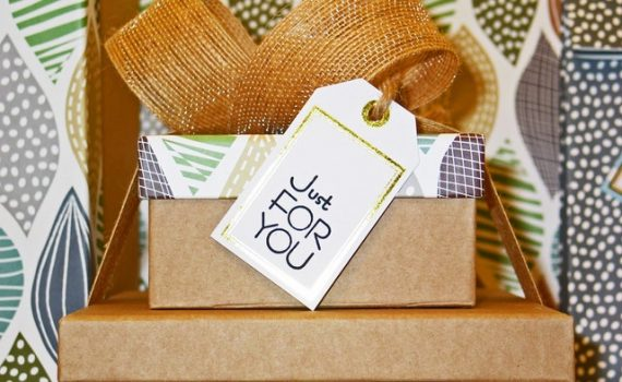 egyedi esküvői ajándék nyitókép